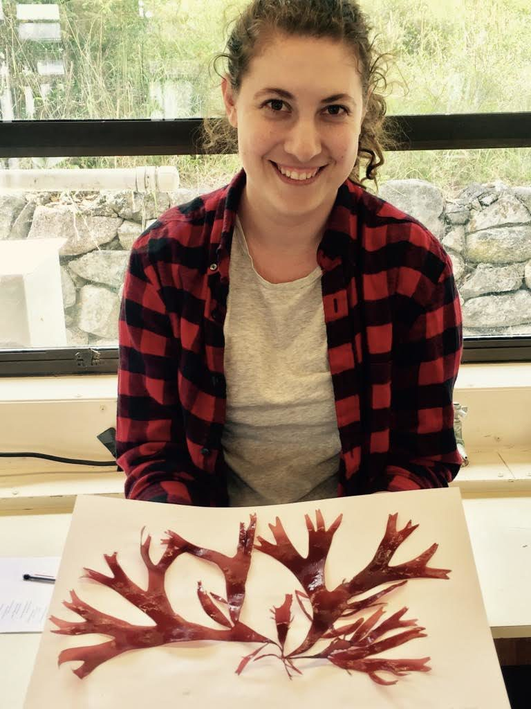 Jilliane Freese with red algae